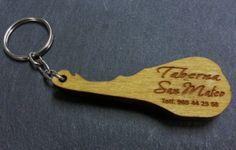 Llavero de madera grabado y cortado en laser www.logovision.es