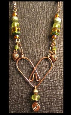 Jewelry Designs - the heart is a paper clip Bottle Jewelry, Paper Clip, Deco Mesh, Jewelry Crafts, Jewelry Design, Gold Necklace, Jewelry Making, Bling, Hobby Room