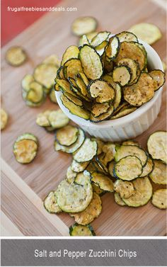 Looking for a healthier alternative to crunchy potato chips? Check out this salt and pepper Zucchini Chips recipe!! Even if you don't like zucchini, you'll love this snack. The kids will love them too!! #Zucchini #HealthySnacks