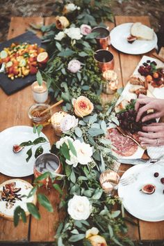 Picture this on your next dinner party table! Summer Table Decorating Ideas with floral and green garland. Super chic and beautiful! I'd be happy to design this for your next party, ask me how! Outdoor Table Settings, Outdoor Dining, Dining Table, Patio Table, Table D Hote, Outdoor Dinner Parties, Garden Parties, Dinner Party Table, Picnic Parties