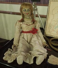 This DIY Annabelle Doll Costume from The Conjuring Will Haunt Your Halloween « Halloween Ideas