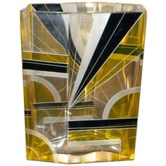 This Czech asymmetrical crystal art deco vase is magnificent. I want to fill it with black Anthuriums! So, so, chíc!