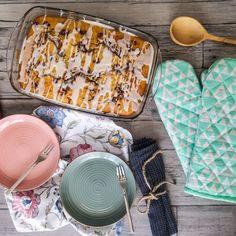 ΚΥΡΙΑΚΑΤΙΚΟ ΠΡΩΙΝΟ 2 ΣΕ 1 (PANCAKES ΚΑΙ CINNAMON ROLLS) | Pastry...tsio Cinnamon Rolls, Desserts, Tailgate Desserts, Deserts, Cinammon Rolls, Dessert, Food Deserts