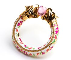 Manish Arora Amrapali collection Royal Bengal tiger amulet with enamel and semi-precious stones INR). Jewelry Trends, Jewelry Accessories, Fashion Accessories, India Jewelry, Fine Jewelry, Jewelry Making, Amrapali Jewellery, Traditional Indian Jewellery, Manish Arora