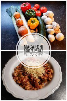 RECEPT MACARONI ZONDER PAKJES EN ZAKJES! Lekker eten, makkelijk recept, macaroni, zonder pakjes, zonder zakjes, recept, pasta, ui, prei, paprika, courgette, food, hoofdgerecht, makkelijke maaltijd, snelle macaroni, recepten, gezond, veel eters, grote pan, verjaardag, feest, tomatensaus Easy Diner, Pasta Recipes, Dinner Recipes, Healthy Cooking, Healthy Recipes, Zucchini, Diy Food, My Favorite Food, Italian Recipes