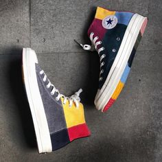 "Offspring x Converse Chuck 70 ""Patchwork"" Release Info - As if loosely mirroring works of art Mode Converse, Outfits With Converse, Converse All Star, Converse Shoes, Shoes Sneakers, Converse High, Colored Converse, Galaxy Converse, Converse Style"