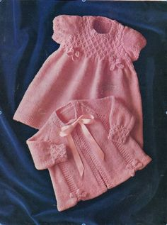 Baby Knitting Patterns Sweter Vintage Baby Knitting Patterns - Page 2 Baby Knitting Patterns, Knitting Baby Girl, Baby Cardigan Knitting Pattern Free, Baby Patterns, Knitting Yarn, Knit Baby Dress, Vintage Knitting, Baby Sweaters, Jacket Dress