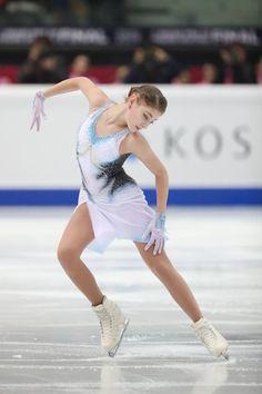 Ice Dance, Figure Skating Dresses, Ice Skating, Skate, Skiing, Photo Galleries, Ballet Skirt, Gallery, Figure Skating