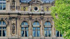 Paris l'Hôtel de Ville rue de Lobau 02