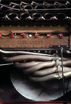 V12 - Ressemble presque à un instrument de musique.
