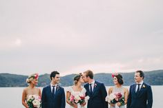 7 Awesome Ideas for Group Wedding Shots