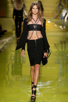 Versace Spring 2014 RTW - Review - Fashion Week - Runway, Fashion Shows and Collections - Vogue