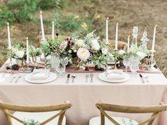 La Tavola Fine Linen Rental: Nuovo Champagne | Photography: Koman Photography, Design: Frankly Weddings