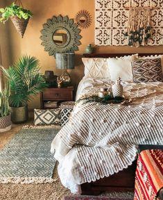 Bohemian Bedroom Decor And Bed Design Ideas… – Homedeko – Home Decor Ideas Bohemian Bedroom Decor, Boho Room, Home Decor Bedroom, Modern Bedroom, Trendy Bedroom, Bohemian Bedding, Tribal Bedroom, Boho Decor, Moroccan Bedroom Decor