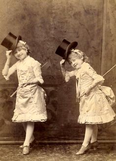 Black and White Vintage Photography: Take Photos Like A Pro With These Easy Tips – Black and White Photography Vintage Children Photos, Vintage Twins, Vintage Pictures, Old Pictures, Vintage Images, Old Photos, Vintage Circus, Antique Photos, Vintage Photographs
