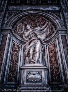 Gracia, dentro de la Basílica de San Pedro