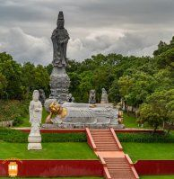 Things to do in Peniche – a few kilometres away from this city you'll find the amazing oriental garden Bacalhôa Buddha Eden.  #portugal #bombarral #garden #bacalhoabuddhaeden