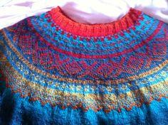 Marius sweather knitted in Kauni yarn.