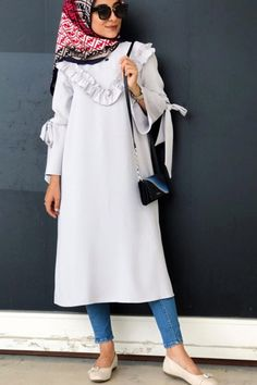 Nida Berra V Ruffle Tunic - 2019 Hijab Clothing Hijab Prom Dress, Hijab Style Dress, Casual Hijab Outfit, Hijab Chic, Dress For Girl Child, Modele Hijab, Baby Dress Design, Hijab Fashion Inspiration, Modest Wear