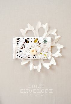 the pink couch: Doily Envelope- Tutorial