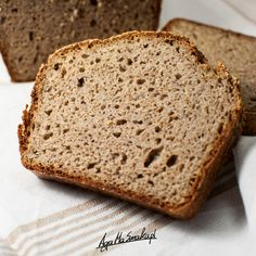 Twój pierwszy bezglutenowy chleb gryczano-jaglany na drożdżach ⋆ AgaMaSmaka - żyj i jedz zdrowo! Bread Recipes, Cooking Recipes, Lactose Free Recipes, Emergency Food, Polish Recipes, Recipes From Heaven, Baked Goods, Food To Make, Food And Drink