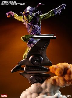 Green Goblin Premium Format Figure by Sideshow Collectibles