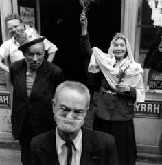 DOISNEAU Robert, Sacre de la reine des cloches, Paris, photographie, 2 juin 1953