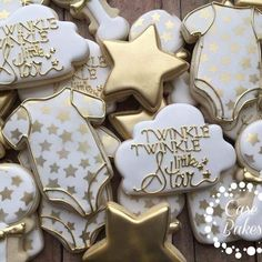 """93 Likes, 5 Comments - Casey CaseBakes LLC (@case_bakes) on Instagram: """"Twinkle Twinkle little star theme and unicorns. All day everyday ✨#casebakes #clearlakecity…"""""""
