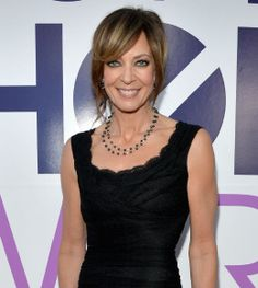 2014 People's Choice Award red carpet arrivals: #AllisonJanney #redcarpet