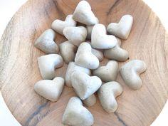 Herzchen aus Beton von Handmadeblues auf DaWanda.com