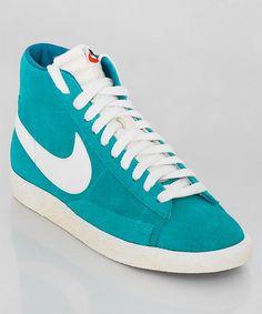 Frisch eingetroffen: der Nike Blazer High Suede Vintage petrol. Der beliebte Klassiker in der Vintage Version und in angesagtem Petrol. Get it here: http://www.numelo.com/nike-blazer-high-suede-vintage-p-24390750.html
