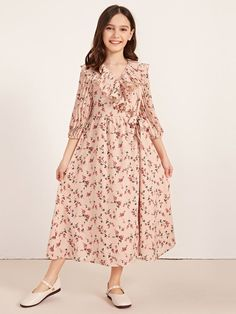 Girls V-neck Ruffle Detail Pleated Sleeve Ditsy Floral Dress Stylish Dresses For Girls, Frocks For Girls, Little Girl Dresses, Modest Dresses, Girls Dresses, Bridesmaid Dresses, Girls Fashion Clothes, Girl Fashion, Fashion Outfits