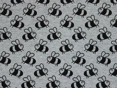 Baumwolljersey Little Bee, hellgrau   stoffe-hemmers.de ★  Trendiger Baumwolljersey mit kleinen Bienen-Motiven, für individuelle Bekleidung