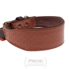 Hound shaped leather collar      upper : brown embossed calf leather      lining : brown soft calf leather      very gentle and soft collar wit...