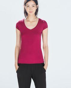 Image 2 of SHORT-SLEEVED T-SHIRT from Zara