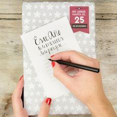 Tutorial tarjeta regalo Navidad Mr.Wonderful. Puedes descargarlo en http://muymolon.com/2013/11/27/descargable-navideno-tarjetas-para-regalos/