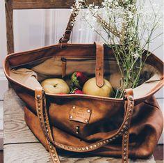 Usamos nuestro CAPAZO hasta para ir a la compra!! #BEMUITT #BEDIFERENT  http://muittmadrid.com/capazos/ – surexcité(e).