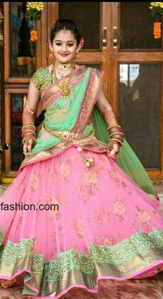 Children half sare Half Saree Lehenga, Kids Lehenga, Lehnga Dress, Banarasi Lehenga, Bridal Lehenga, Half Saree Designs, Saree Blouse Neck Designs, Lehenga Designs, Kids Dress Wear