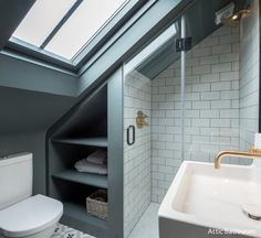 modern loft bathroom design ideas - modern loft bathroom design loft room ideas that give you extra space ver. Attic Shower, Small Attic Bathroom, Small Shower Room, Attic Master Bedroom, Attic Bedroom Designs, Loft Bathroom, Bathroom Plans, Upstairs Bathrooms, Attic Rooms