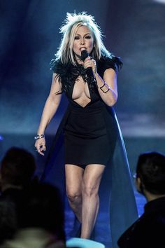 Berlin's Terri Nunn shows of cleavage during LA gig Berlin Band, Jennifer Aniston Hair, Women Of Rock, Old Singers, Celebrity Portraits, Celebs, Celebrities, Rolling Stones, Put On