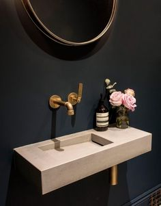 Our Flor Mini concrete basin in 'Ivory' looks stunning in contrast with this dark navy blue washroom interior and brass industrial tapware and accessories. Styling and interior design by House Curious. Diy Bathroom, Small Toilet Room, Bathroom Makeover, Small Space Bathroom, Small Toilet, Bathroom Interior, Concrete Basin, Toilet Design, Downstairs Toilet