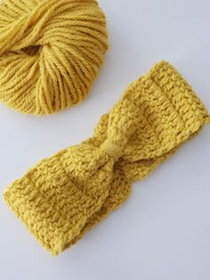Free crochet pattern: HAIRBAND Look what I found Freubelweb.nl: a free crochet pattern by Aunt Setje for crocheting a hairband www.nl… # Hook pattern Source by Crochet Bunny, Free Crochet, Knit Crochet, Crochet Hats, Crochet Clothes, Granny Pattern, Free Pattern, Turban, Crochet Stitches