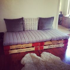 pallet couch for the playroom