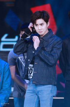 Firm believer that Junmyeon is the human equivalent of a soft and sweet mochi. Baekhyun is gently stealing my heart. Kpop Exo, Suho Exo, Exo Band, Instagram King, Kim Junmyeon, Rich Man, Exo Members, Picture Collection, S Pic