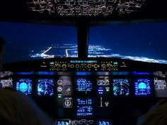 Night flight - Beautiful Cockpit of the Airbus!