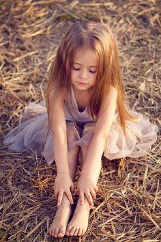 little balerina. So pretty! Beautiful Little Girls, Cute Little Girls, Little Girl Dresses, Beautiful Children, Girls Dresses, Little Girl Models, Little Girl Fashion, Child Models, Cute Young Girl