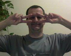 Ruzics Imre Ő a megoldás. Egy hétköznapi ember, álmokkal, célokkal, aki keresett és talált! Aki online pénzügyi megoldást keresett a hiteleire, a sárga csekkekre, akinek bedőlt az offline marketing üzlete. Aki keresett és talált, mert soha nem adja fel! Ruzics Imre, a Ruzics Family feje. Folytatásért kattints ide: http://www.jumpbegin.com/ki_vajon_ruzics_imre