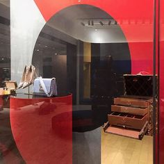ALL ABOUT LV | Our latest @louisvuitton installation @theofficialselfridges in Manchester. In collaboration with @picnic_productions #design #build #luxe #installation #louisvuitton #creative #global #luxurybrands #interiors #shoes #setdesign #luxuryfashion #retail #eventprofs #brands #modern #luxury #ss17 #style #stylish #trends #vm #display #handbags #accessories #experiential #fashion #lv #selfridges  #centraldisplayproductions by centraldisplayproductions.  design #build #accessories…