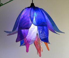 lampada fiore blu notte da cui nasce il giorno