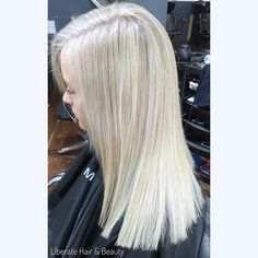 Hope everyone is having a wonderful weekend  #liberatehairandbeauty #hairbybessy #hairgame - - - - - - #hair #hairinspo #blonde #instahair #hairstyles #haircolor #haircut #hairstylist #cureplex #wella #wellatoner #wellahair #wellacolor #beauty #hairandbeauty #melbourne